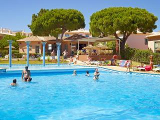 Modern T1 Albufeira Complex 4* near Oura and Strip - Albufeira vacation rentals