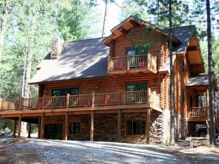 Unique, Secluded, 5-Star, Luxury Log Cabin Retreat - Volcano vacation rentals
