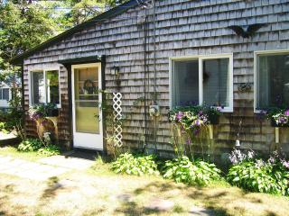 Bonney Cape Cod Cottage - North Falmouth vacation rentals