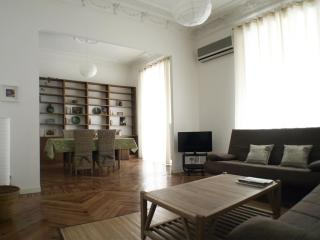 2 bedrooms and bathrooms  apartment SOL OPERA - Madrid vacation rentals