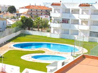 Carol Pink Apartment - Portugal vacation rentals