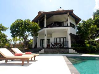 Villa Mente: New Luxury Villa with Amazing Views! - Lovina Beach vacation rentals