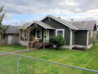 The Vernonia Lake House - Vernonia vacation rentals