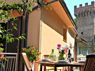 Charming house in Medieval village in Tuscany - Pisa vacation rentals