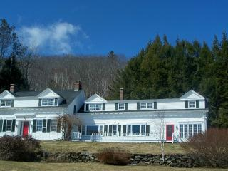 Lakewatch Manor on Lake Chickawaukie in Rockland - Rockland vacation rentals