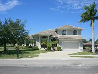 Tropical Island - Large Waterfront Luxury Home - Florida South Gulf Coast vacation rentals