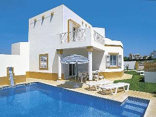 Lovely 3bdr villa w/ AC at Sesmarias quiet area - Lagos vacation rentals