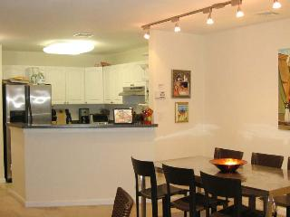 Luxury 2 Bedroom 2 Bath Condo Safe Private Excellent for Long-term - Union City vacation rentals