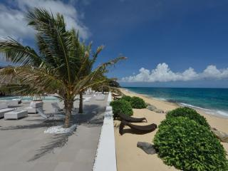 LA PERLA PERLAIS...expansive luxury on beautiful Baie Rouge beach, part of - Baie Rouge vacation rentals