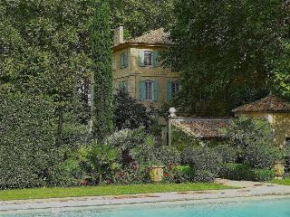 St.Remy-de-Provence, Dream Bastide in Provence, Private Pool, tennis, and Elegant Gardens, Sleeps 12 - Saint-Remy-de-Provence vacation rentals