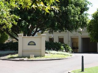 The Lombard Estate Glebe Sydney - Sydney vacation rentals