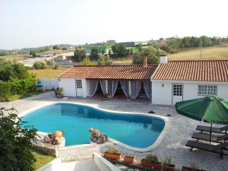 Prado da Eira House - perfect to visit Portugal - Santarem vacation rentals