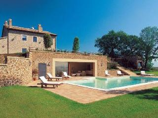 Villa Melograni features a magnificent central fireplace, jacuzzi and Turkish bath - Terres Basses vacation rentals