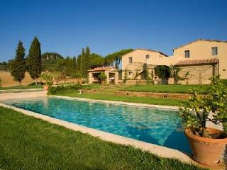 Extraordinary Villa Marchesa features a gym, three pools, sauna and jacuzzi - Grosseto vacation rentals