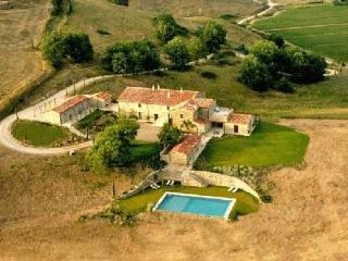 Villa Brusceto- extensive private grounds, 360 degree views & large overflow pool - Umbertide vacation rentals