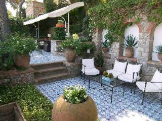 Villa Bella Donna with panoramic views and large terraces walking distance from Capri - Capri vacation rentals