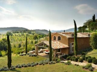Villa Barcolino offers a covered terrace with great views of the countryside - Umbertide vacation rentals