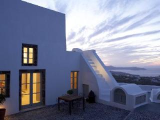 Cavana - Villa offers pool, rooftop Jacuzzi & sunset views - Pyrgos vacation rentals