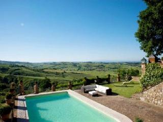 Villa Penelope offers estate grown fruit and vegetables, pool & pool house - Montepulciano vacation rentals