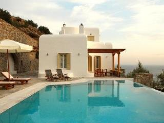 Perched above the bay, Ilios offers sublime sea views, modern décor & infinity pool - Tourlos vacation rentals