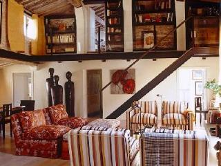 Exquisite Apartment Medea in Florence - Enjoy Turkish Bath, Sophisticated Decor - Florence vacation rentals