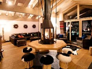 Perfectly located, The Zermatt Lodge is a 5-star catered apartment with fantastic views & hot tub - Valais vacation rentals