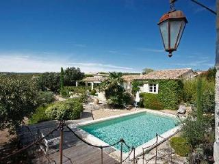 Perfect for a Romantic Getaway! Stunning Home Les Beaumes with Saltwater Pool & Lovely Garden - Gordes vacation rentals
