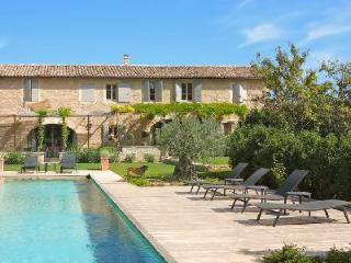 Authentic Provencal Farmhouse - St Marc features infinity pool & a host of luxurious amenities - Gordes vacation rentals