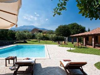 Viagrande - Catania villa with pool & several attractions & beaches nearby - Catania vacation rentals