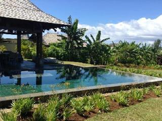 Alcyone 23 offers housekeeping, daily breakfast pool and tropical garden - Mauritius vacation rentals