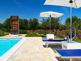 Trullo Ramachandra - Charming villa with pool, ocean view, close to towns & activities - Terres Basses vacation rentals