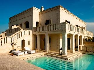 Villa Giardino Pugliese - Villa with large pool, citrus courtyard & privileged location - Brindisi vacation rentals