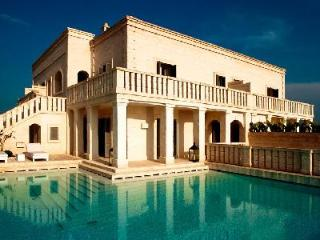 Villa Magnifica - Luxurious villa with large pool, spacious courtyard & luxury amenities - Puglia vacation rentals