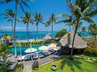 Taman Ahimsa - Luxurious beachfront villa with pool, cook & driver - Bali vacation rentals