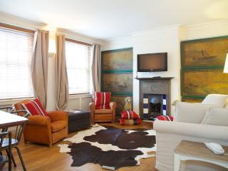 Carlyle House, Chelsea, SW3 - London vacation rentals