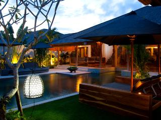 VILLA HITU CALM AND LUXURY  IN HEART OF SEMINYAK - Seminyak vacation rentals