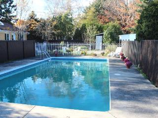 Nice home with swimming pool in Quebec City - Amos vacation rentals