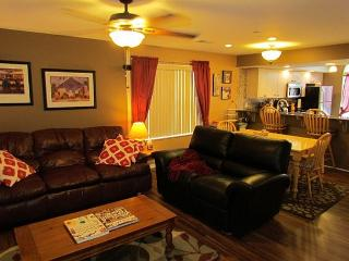 Fort Taneycomo- Updated 2 bedroom 2 bath condo located at Fall Creek Resort - Branson vacation rentals
