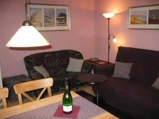Vacation Apartment in Berlin-Schöneberg - 570 sqft, comfortably furnished, well maintained, affordable… - Brandenburg vacation rentals