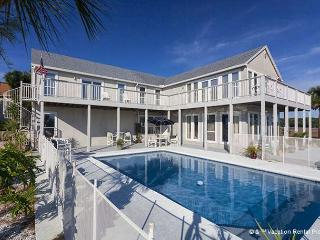 Buccaneer Retreat, 6 Bedrooms, Private Pool, Boat Docks, Events - Jacksonville vacation rentals