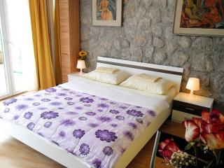 Apartment Chestnut Castle for two persons - World vacation rentals