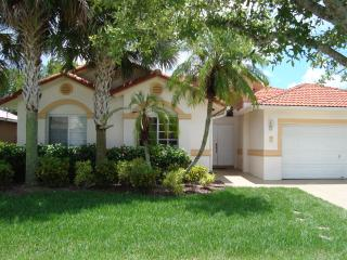 Beautiful House in Weston - Weston vacation rentals