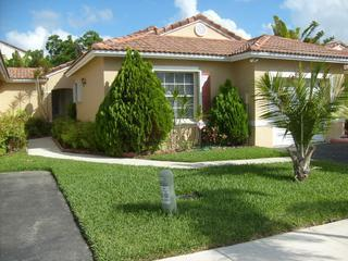 Beautiful House in Silver Lakes of Pembroke Pines - Pembroke Pines vacation rentals