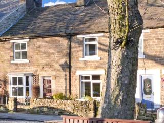 GENTIANA COTTAGE, ideal retreat for couples and families, village centre location in Middleton-in-Teesdale, Ref 13894 - County Durham vacation rentals
