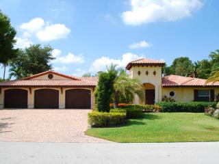 Casa Geneva 5 Star Luxury 5 Bed Heated Pool Home! Stunning! - Fort Lauderdale vacation rentals