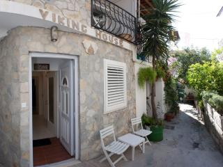Viking House, Unit 1 - Apartment in stone house - Split vacation rentals
