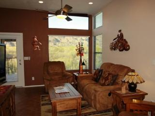 Well Appointed Condo with a Den at The Greens in Ventana Canyon. Enjoy Incredible Mountain Views! - Tucson vacation rentals