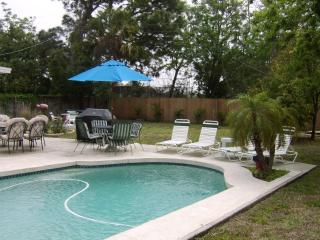 Vic's Place - Heated Pool, Jacuzzi, Game Room - Bradenton vacation rentals