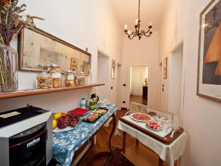 AI FIUMI - LAVINO 3-BEDROOM APT. - Bologna vacation rentals