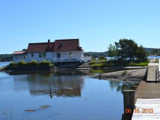 Beautiful Seaside Cottage on private island - Norway vacation rentals